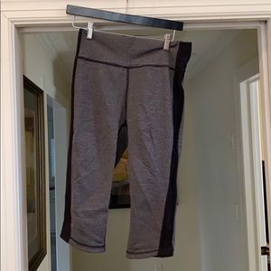 Lululemon crop leggings — size 8